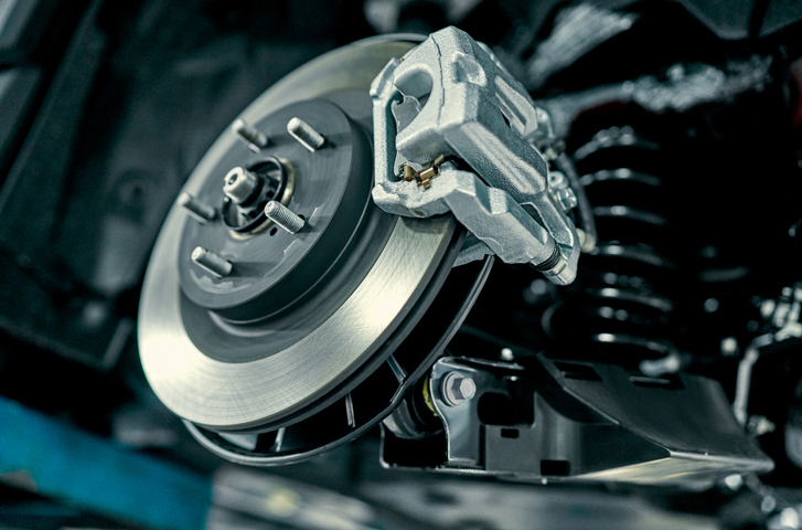 Disc brake of the vehicle for repair, in process of new tire